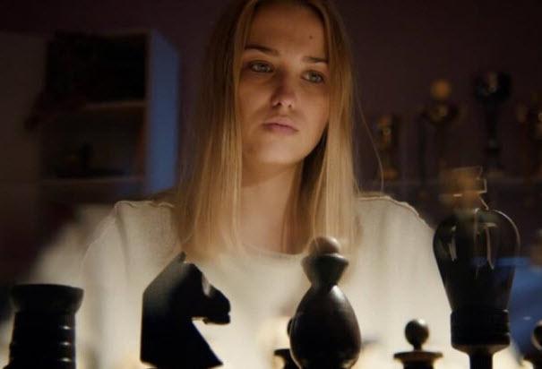 Сериал Ловушка для королевы (2019) - сколько серий, описание